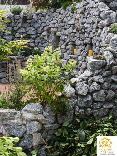 Projekt-2-Natursteinmauer-4