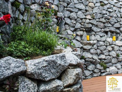 Projekt-2: Natursteinmauer